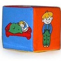 """Кубик - погремушка  """"Что делает ребенок?"""" Розумна играшка 123"""